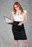 Девушка в офисе Стоковое Изображение