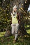 Девушка в парке в осени Стоковое Фото