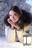 Девушка в пуще зимы Стоковые Изображения RF
