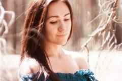 Девушка в пуще Стоковая Фотография RF