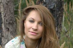 Девушка в пуще Стоковые Фото