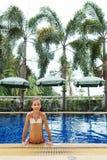 Девушка в плавательном бассеине Стоковое Изображение RF
