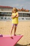 Девушка в пляже стоковая фотография