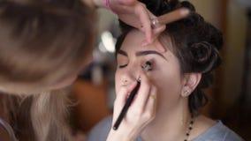Девушка в салоне красотки акции видеоматериалы