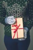 Девушка в свитере ` s Нового Года Стоковые Фото