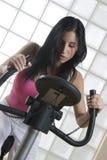 Девушка в спортзале Стоковое Изображение
