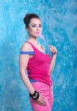 Девушка в ярких одеждах, ретро стиль. Стоковые Изображения RF