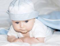 девушка глаз сини младенца милая стоковая фотография rf