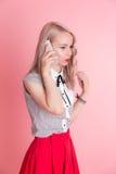 Девушка говоря на телефоне Стоковое Изображение RF