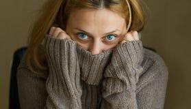 Девушка голубых глазов Стоковое Изображение