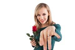 девушка диаманта с показа кольца Стоковые Фотографии RF