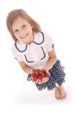 Девушка держа свежие сладостные вишни Стоковые Изображения RF