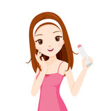 Девушка держа упаковку красоты Стоковая Фотография