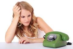 Девушка ждать звонок стоковое изображение rf