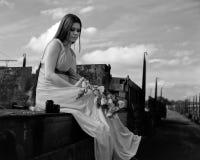 девушка заржавела сидя поезд Стоковые Фото