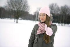 Девушка зимы. О'КЕЙ Стоковое Изображение