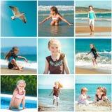 Девушка играя с ее сестрой на пляже Стоковые Изображения RF