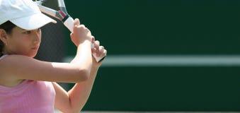 девушка играя теннис Стоковые Фото
