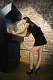 девушка игры играя видео Стоковое фото RF