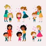 Девушка или мальчик сердца мамы дня матерей семьи вектора дня валентинок любящие и валентинки детей симпатичные целуя и обнимая Стоковая Фотография RF