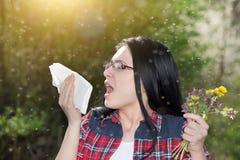 Девушка имея аллергию Стоковые Изображения