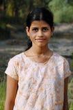 девушка Индия подростков сельская стоковые фотографии rf