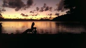 Девушка и восход солнца Стоковые Фотографии RF