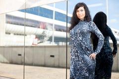 Девушка и зеркало Стоковая Фотография