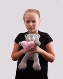 Девушка и медведь Стоковые Фотографии RF