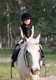 Девушка и лошадь Стоковые Фотографии RF