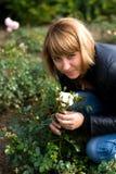 Девушка и розы Beautyful Стоковые Фото