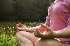 Девушка йоги Стоковые Фотографии RF