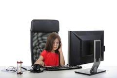 девушка компьютера меньший офис стоковая фотография
