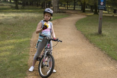 девушка конца bike Стоковое Изображение RF