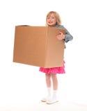 девушка коробки держа немногую молодой Стоковые Изображения