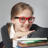 Девушка красоты на книге Стоковое Изображение RF