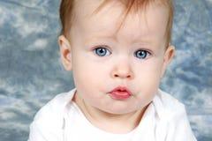 девушка крупного плана младенца стоковые фотографии rf
