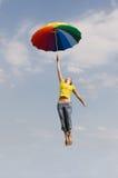 девушка летания стоковое изображение rf