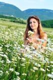 девушка маргариток Стоковые Фотографии RF