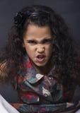 Девушка маленького брюнет сердитая Стоковые Фотографии RF