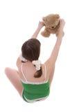 девушка медведя играя игрушечный Стоковые Фото