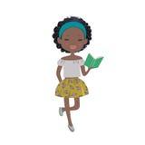 Девушка милого шаржа афро-американская читая книгу Стоковые Фотографии RF