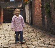 девушка младенца черная играя детенышей Стоковые Фотографии RF