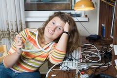 девушка много проводов Стоковая Фотография RF