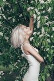 Девушка моды сада стоковые фото