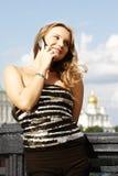 девушка моста вызывая Стоковое Фото
