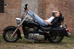 Девушка мотоцикла Стоковые Изображения RF