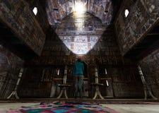 Девушка наблюдая картины внутри очень старой деревянной церков в Ieud, Румынии, используя headlamp Стоковое Фото