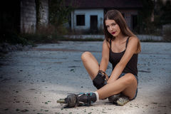 Девушка на коньках ролика Стоковая Фотография RF