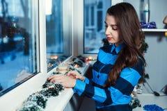Девушка на окне Стоковое фото RF